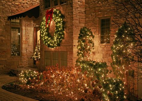 outdoor christmas lighting decor traditional entry