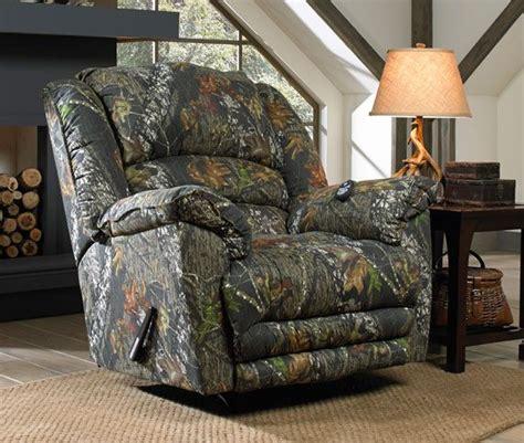camo massage recliner duck dynasty yosemite chaise rocker recliner in mossy oak new breakup camo with massage and heat