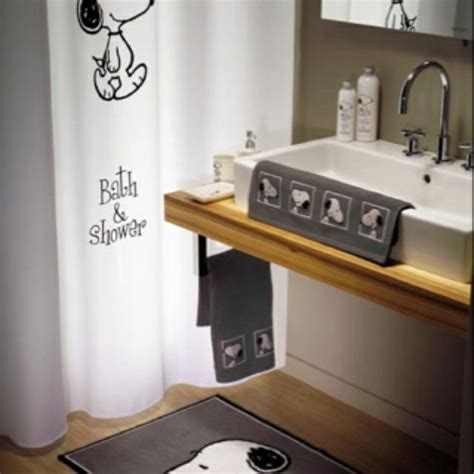 snoopy bathroom 1000 images about snoopy for the home on pinterest