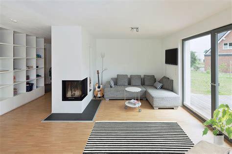 wohnzimmer systemmöbel ruptos moderner eingangsbereich aussen