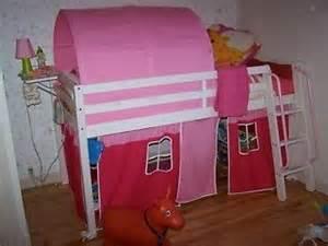 lit mezzanine enfant mi hauteur rideau et tente tunnel