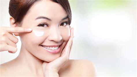 Masker Wajah Loreal how you can help reduce the appearance of eye bags with these 3 hacks l or 233 al
