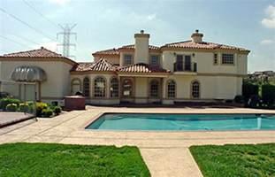 snoop dogg 20 rapper mansions complex ca