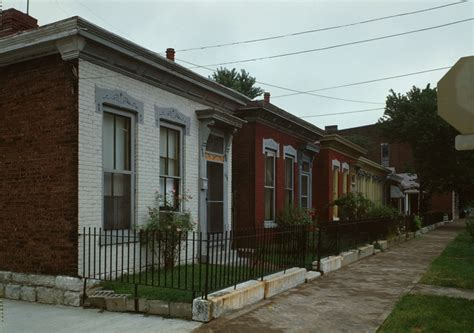 shotgun house file shotgun houses jpg wikimedia commons