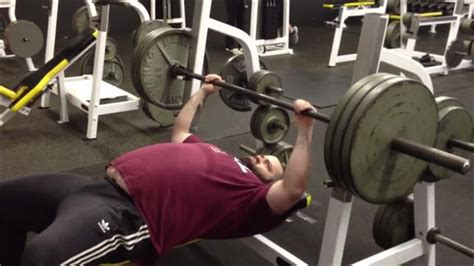 most times bench pressing a 315 pound weight world