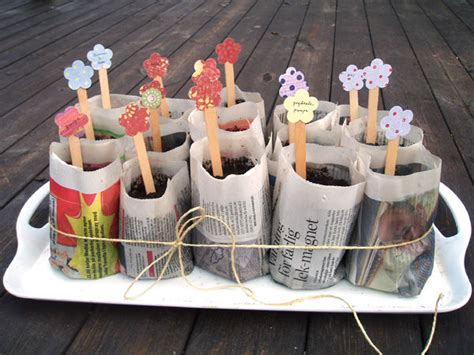 How To Make Paper Plant Pots - how to make organic planting pots using newspapers
