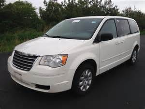 2009 Chrysler Town And Country For Sale Used 2009 Chrysler Town Country Lx Sports 7 890 00