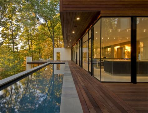 www freshome com sustainable secluded us home taking in a perfect forest