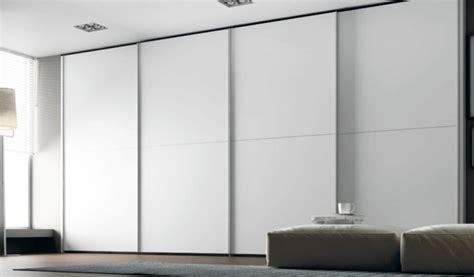 Beau Armoire Dressing Porte Coulissante #5: armoire-chambre-contemporaine-laquee-porte-coulissante.jpg