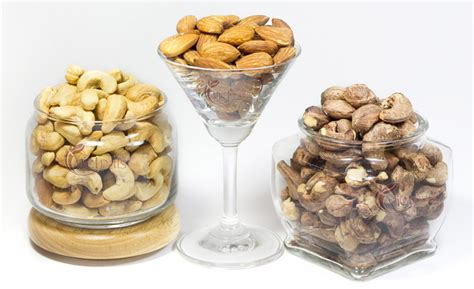Finna Roasted Salted Cashew 100 Gr salted cashew nuts with skin 200gr