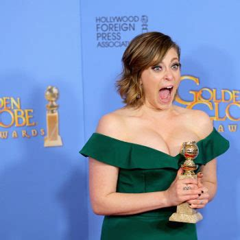 rachel bloom oh hello hellogiggles a positive community for women