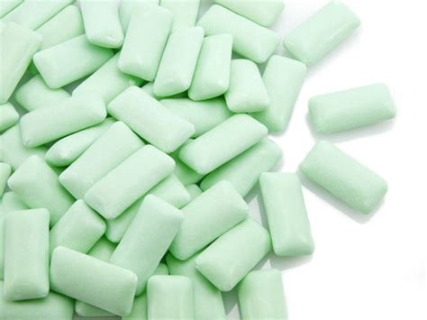 ate gum 5 common chewing gum ingredients that may cause cancer food matters 174
