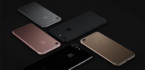 apple brings   glossy black iphone   jet