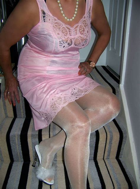 gorgeous vintage ultra sheer glossy pink lacy full slip