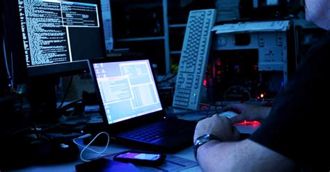 film hacker rusia hackers behind dyre malware busted in police raid