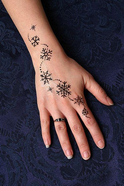 side henna tattoos best 25 henna tattoos ideas on