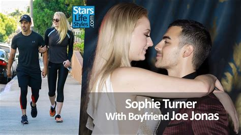 game of thrones actress joe jonas sophie turner with boyfriend and fianc 233 joe jonas