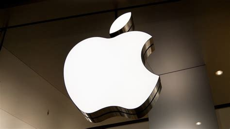 ruling  india clears   apples long awaited retail expansion macrumors