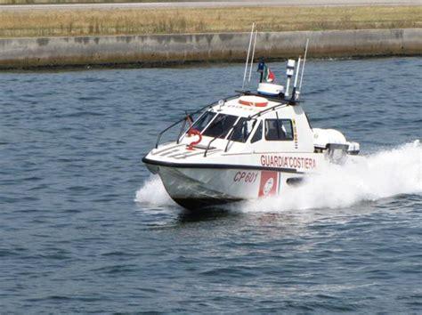 capitaneria di porto jesolo venezia cranico in mare 60enne salvato dalla