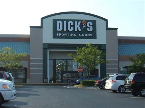 s sporting goods store in manassas va 142