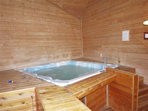 Tub Transfer Chair by 3500 Sqft Cabin Indoor Jacuzzi Sauna Wifi Vrbo