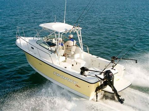 bayliner 2352 trophy walkaround boats research 2014 trophy boats 2352 walkaround on iboats