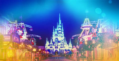 when do christmas lights go up at disney world