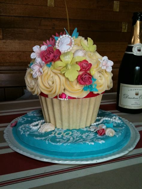 cupcake birthday cake 100th birthday style cupcake cake