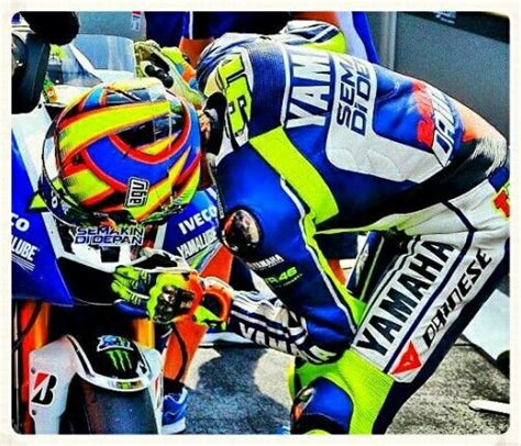 Kaos Valentino Rossifumi Motor Gp Vale 14 827 best images about vr 46 on marc marquez grand prix and malaysia