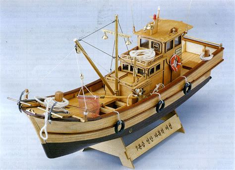 wooden fishing boat model kits 7 tonnage fishing boat 1 25 scale wood model kit wooden