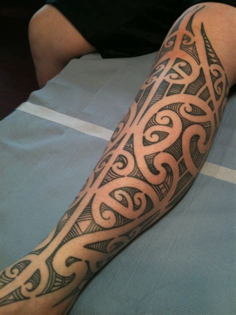 maori inspired tribal tattoo freehand maori kirituhi inspired leg higgins