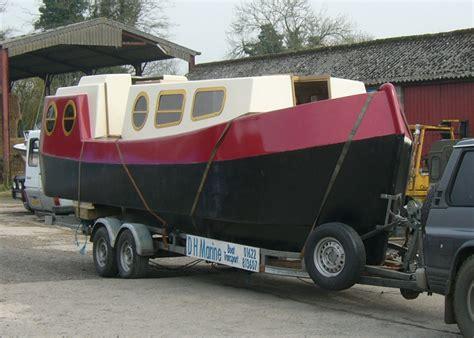 trailerable power trimarans small trimarans - Little Gem Boat