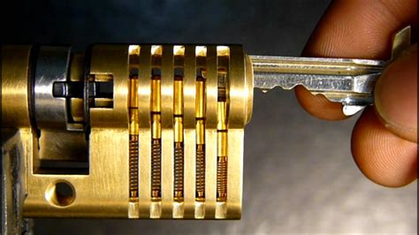 how a works how a lock works