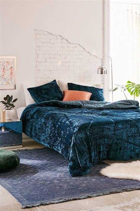 crushed velvet comforter best 25 crushed velvet ideas on pinterest velvet
