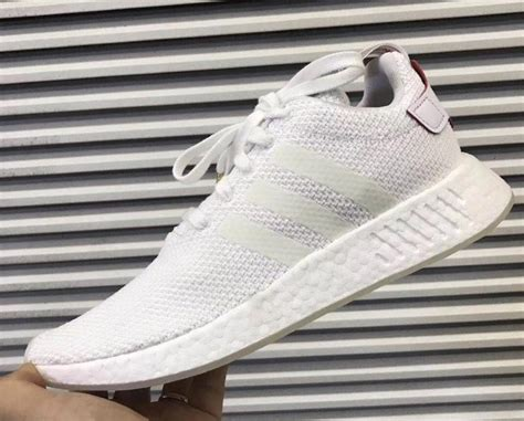 new year nmd r2 singapore une adidas nmd r2 cny in 233 dite pour f 234 ter l 233 e du chien 2018