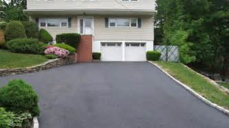 how much does it cost to seal an asphalt driveway angies list