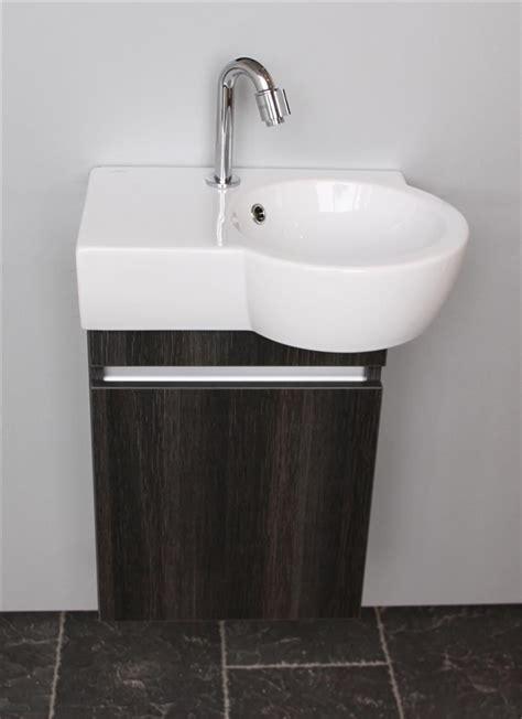 Bathroom Checklist thebalux toiletmeubel met wastafel aico product in beeld