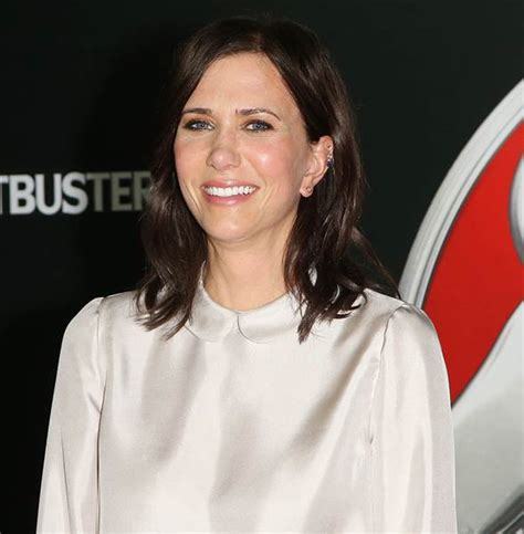 touchdowns haircuts coupons kristen wiig s hair is cut into a blond pixie in snl