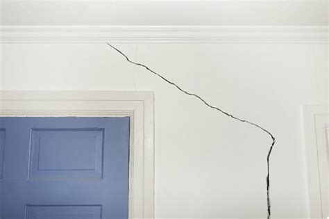 dos and don ts of repairing drywall bob vila