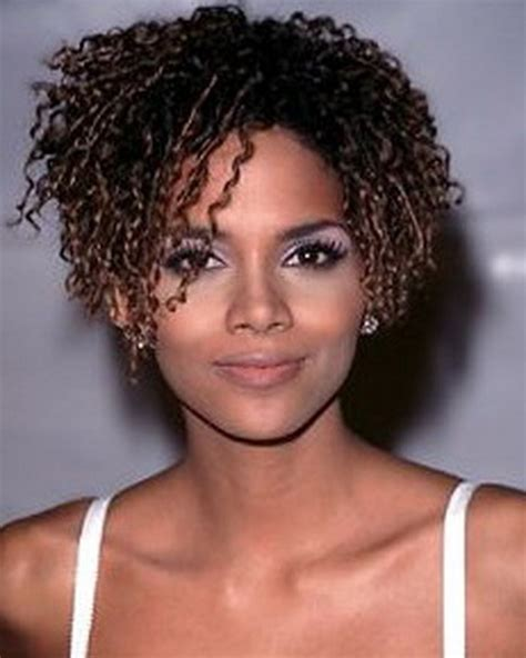 halle berry short curly hairstyles halle berry short curly hair hairs picture gallery