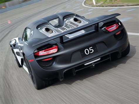 porsche supercar 918 porsche 918 supercar hybrid iteration 2 0 designapplause