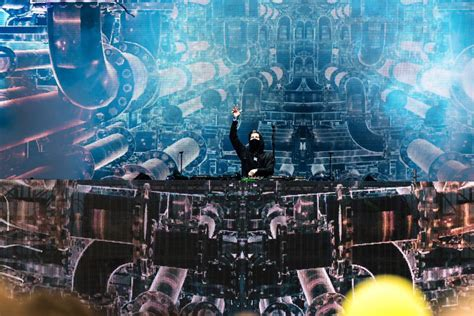 alan walker concert surabaya alan walker releases a remake of his popular single from 2015