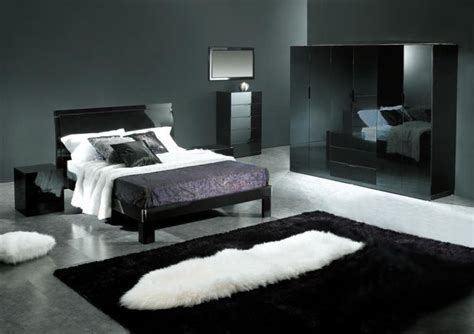Bedroom Decorating Ideas In Black Bedroom Decorating Ideas With Black Grey And Silver Room