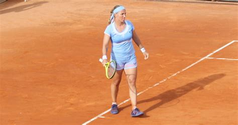 kuznetsova tattoos svetlana kuznetsova talks clay tennis qiaodan fashion and