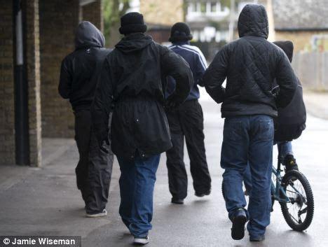 Jaket Hoodie Turn Back Crime 1 among the hoods