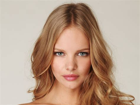 titless model classify dutch model marloes horst