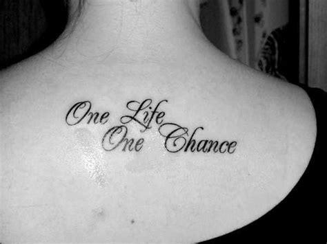 hard life tattoo designs ponad 1000 pomysł 243 w na temat tatuaże z cytatami na