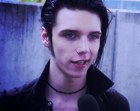 andy biersack hairstyle