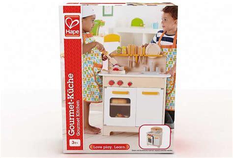 cuisine enfant 2 ans cuisine 2 ans les ustensiles de cuisine