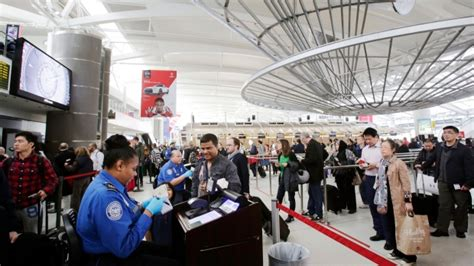Airport Badge Background Check U S Steps Up Random Security Checks For Airline And Airport Workers Ctv News
